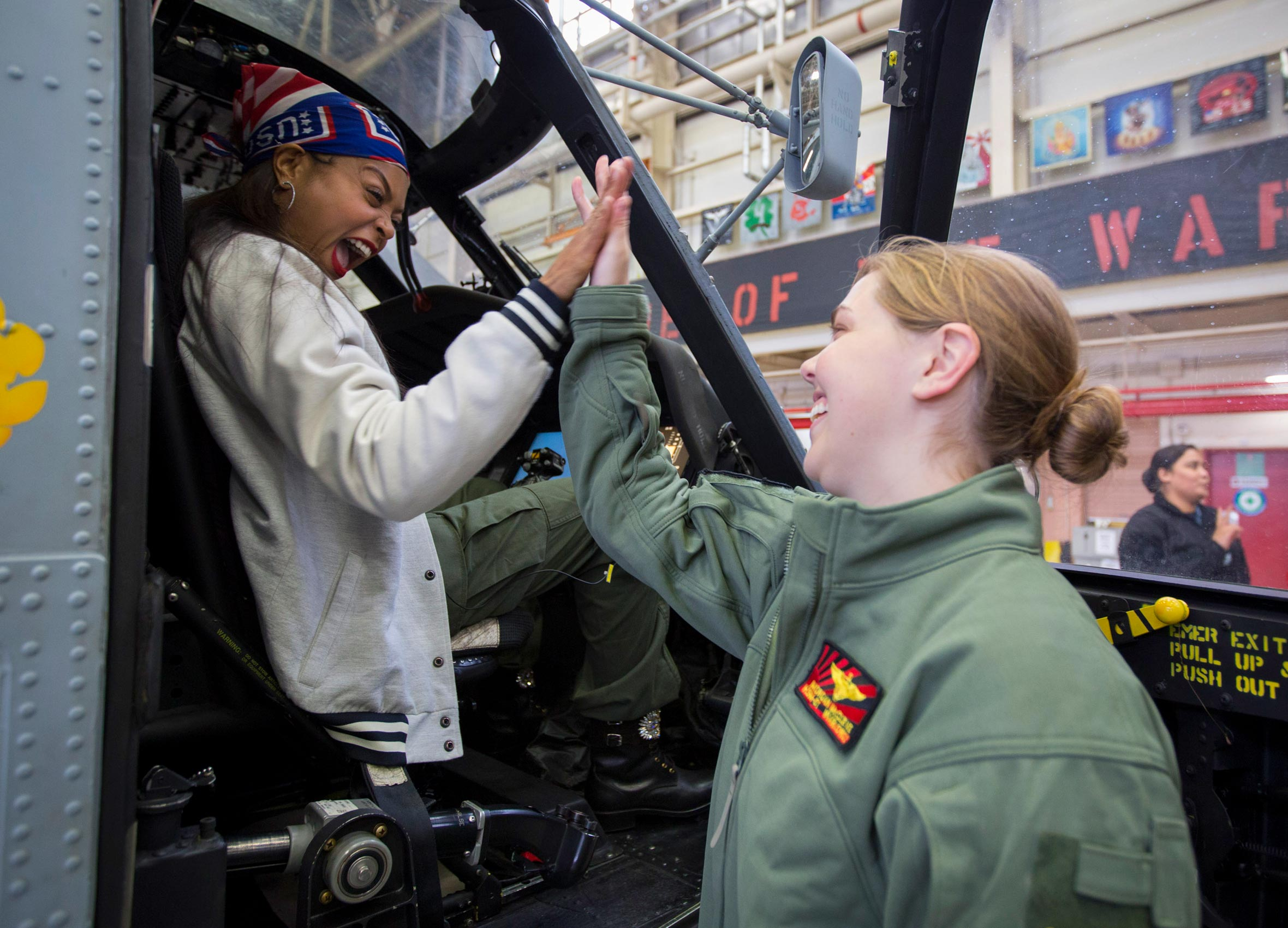 Taraji P. Henson high-fives solider in helicopter